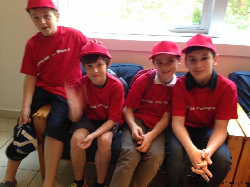 L'équipe par 4 du samedi après-midi Evan et Lilian avec Arthur et Guillaume 2 joueurs de Châtellerault
