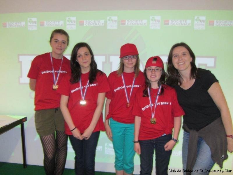 Les vainqueurs de la compétition par 4, du Comité des Charentes , avec leur monitrice Géraldine